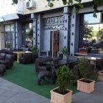 exterior_hollywood_sushi_bar_(1)